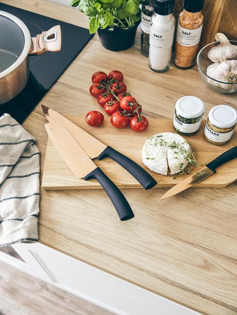 Súprava nožov na syr