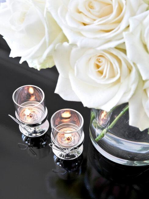 Kvety a sviečky na Valentína