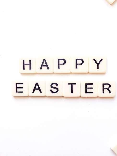 Happy Easter pohľadnica
