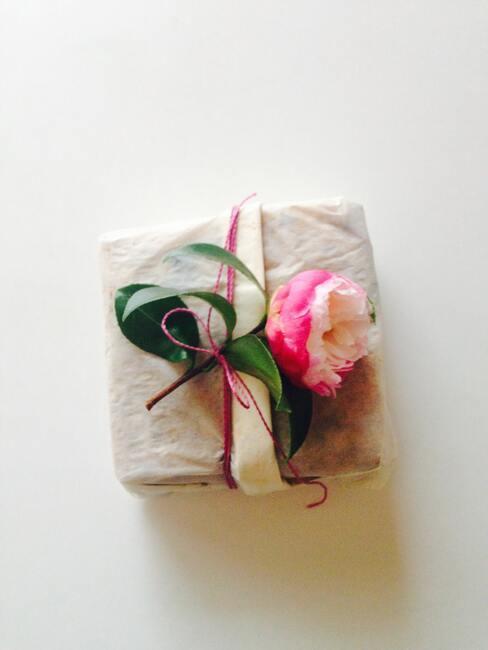 Darček pre babku s ružou