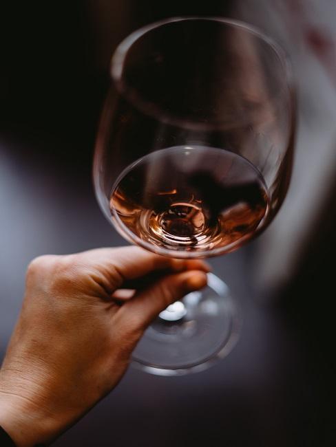 Pohár s vínom