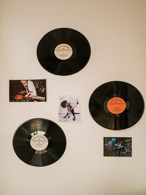Platne a hudobné fotografie na stene