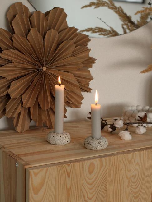 DIY svietnik z rýchloschnúcej hmoty a čierneho korenia