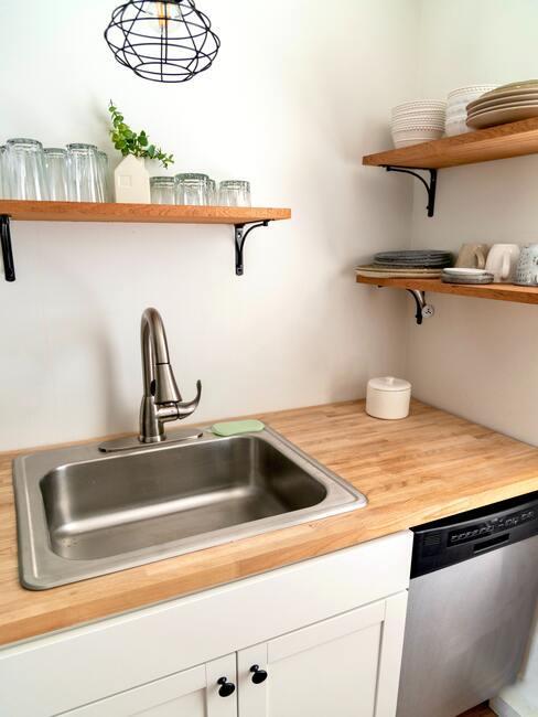 Ako vyčistiť drevenú kuchynskú dosku od mastnoty