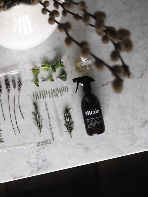 Prírodné čistenie kuchynskej linky