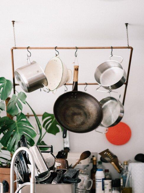 Čistenie mosadze v kuchyni
