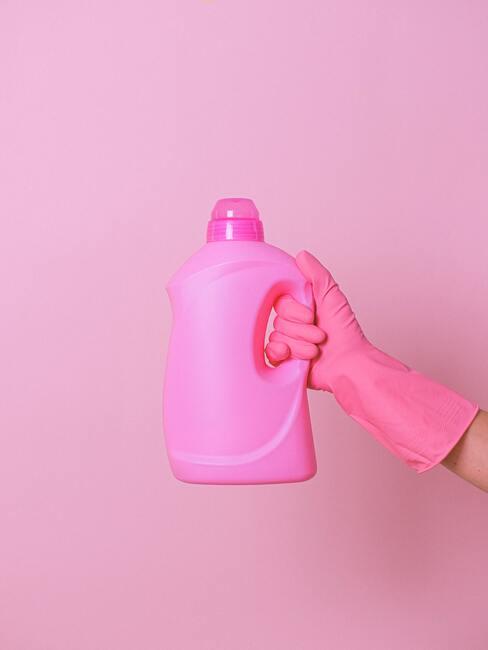 Ružový čistiaci prostriedok