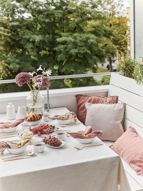 Romantický štýl balkóna