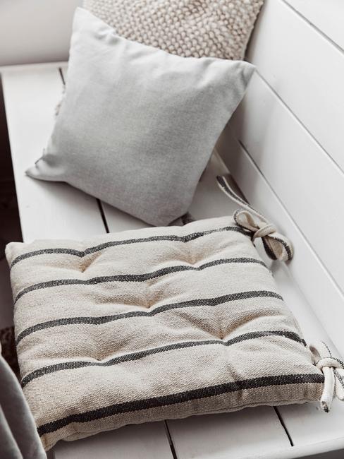 Vonkajšie textílie v sivej farbe