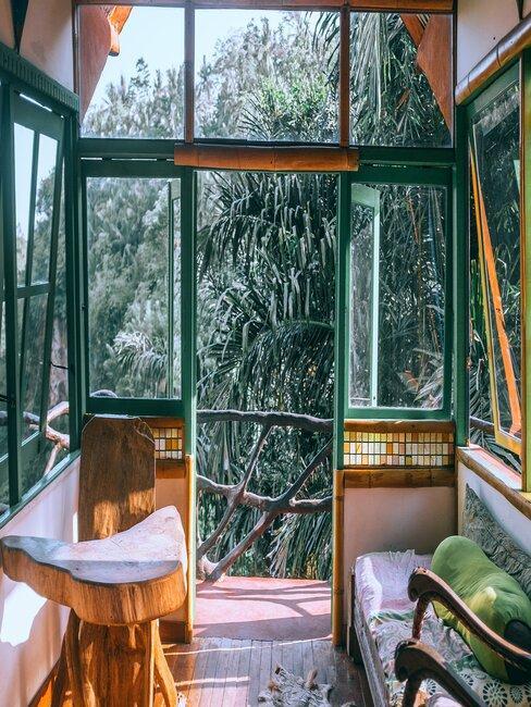Zasklený balkón - zelené prevedenie