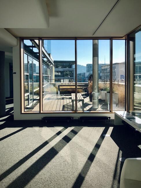 Presklený balkón