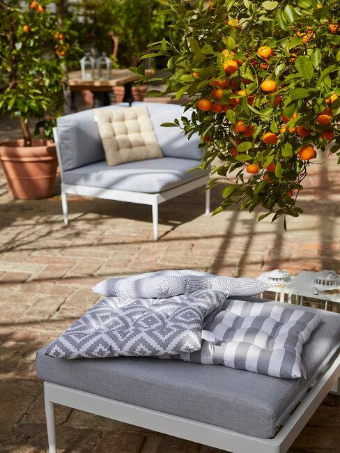 Moderné záhrady a nábytok