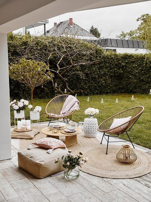 posedenie na záhrade