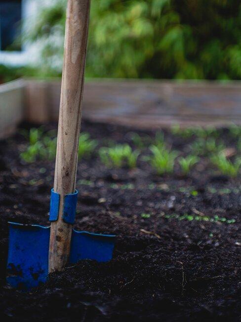 Nástroje na sadenie