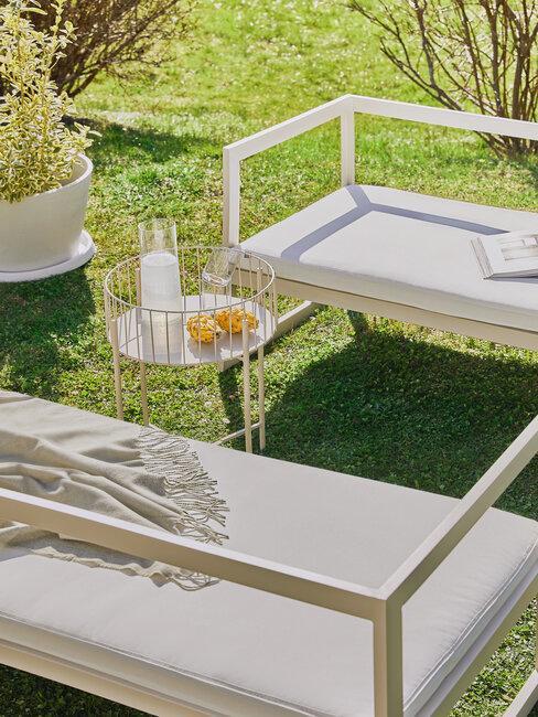 Moderný nábytok na terasu