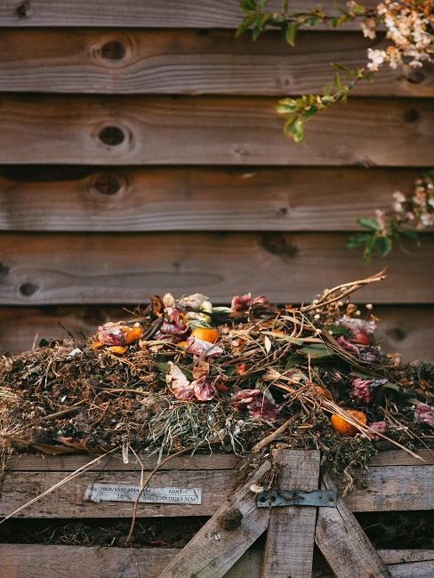 ako kompostovať v záhrade