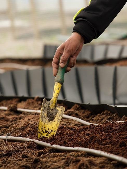 Starostlivosť o kompost na záhrade