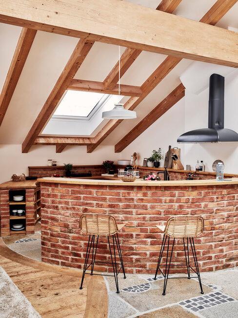 Barový pult v rustikálnej kuchyni