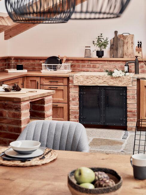 Klasické zariadenie rustikálnej kuchyne
