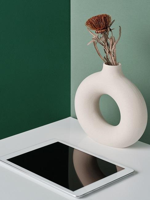Zelená s bielou v interiéri