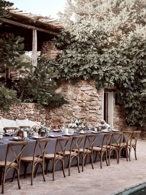 svadobná hostina v prírode