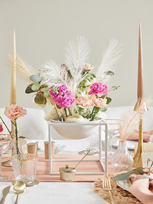 svadobná ružová dekorácia