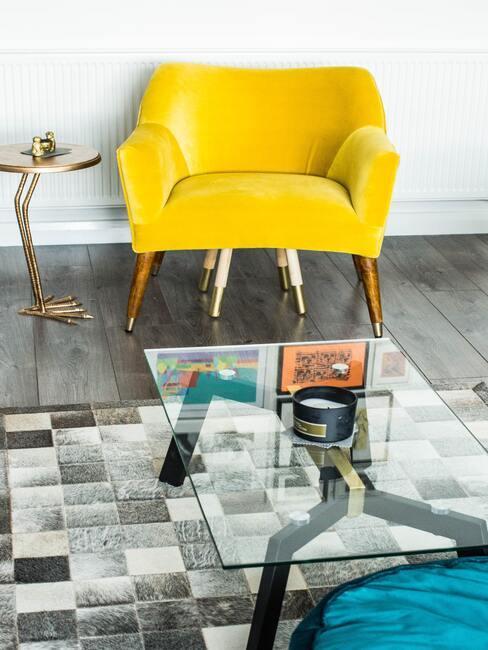 Kreslo v žltej farbe