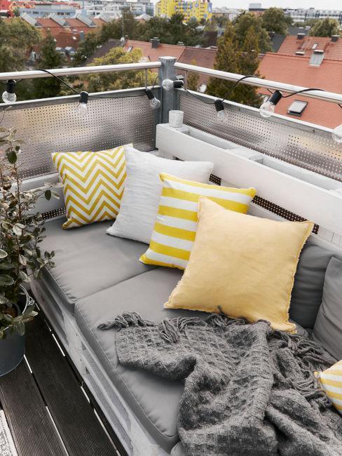 Žlto-sivá terasa