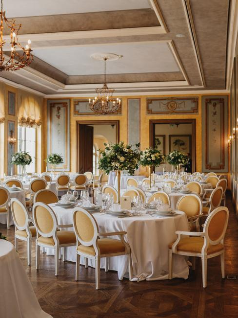 Château Béla: svadobná hostina