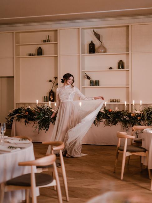 Kursalon Trenčianske Teplice: nevesta pri svadobných stoloch