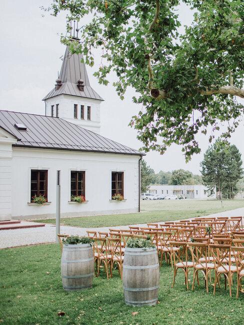 Château Rubáň: svadobný obrad na záhrade