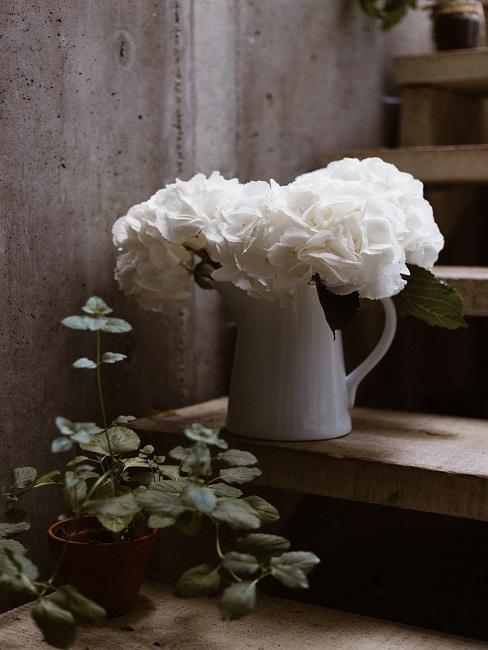 Váza v štýle shabby chic