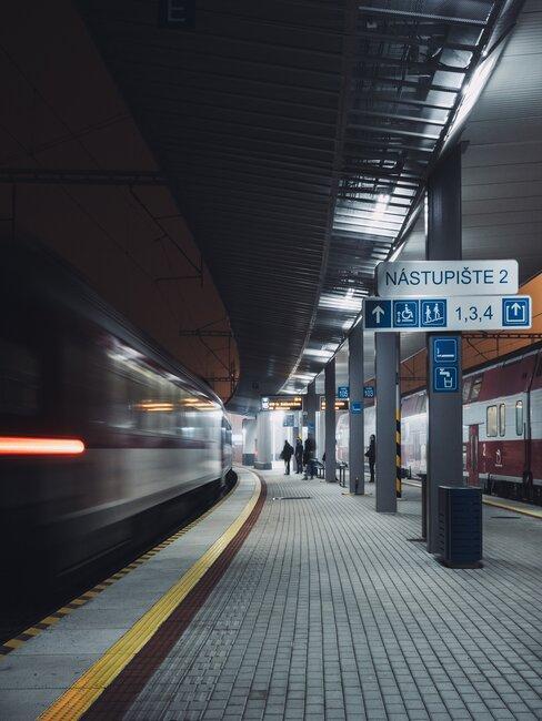 Cestovanie vlakom na Slovensku