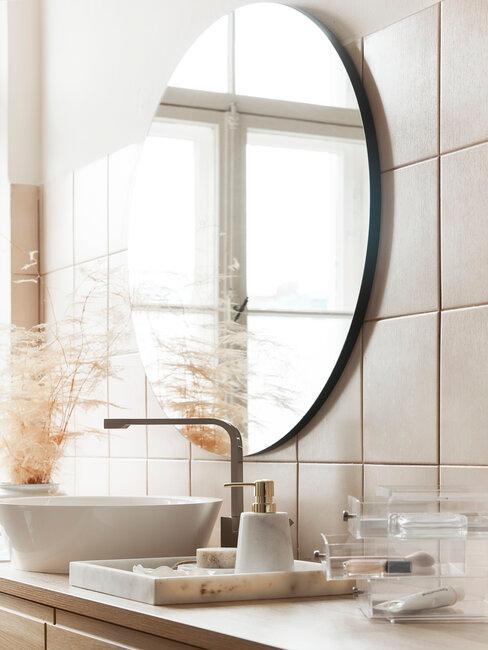 Kúpeľňa a zlaté doplnky