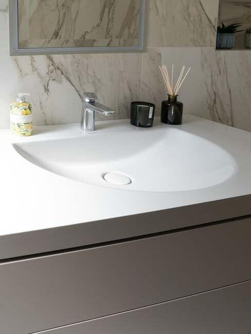 jednoduché umývadlo