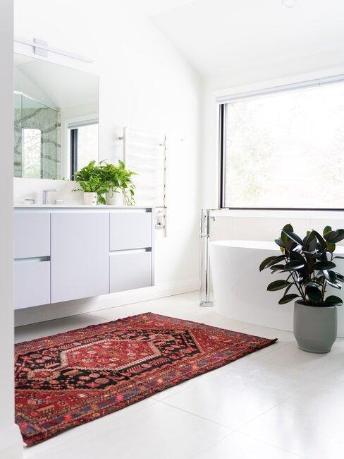 Biela kúpeľňa bez obkladu