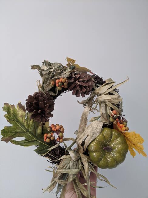 Jesenné vence na dvere alebo na stôl