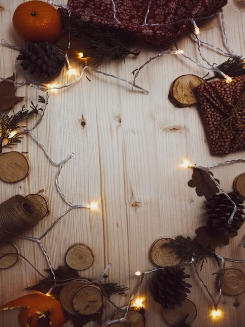 Drevené dekorácie so svetielkami