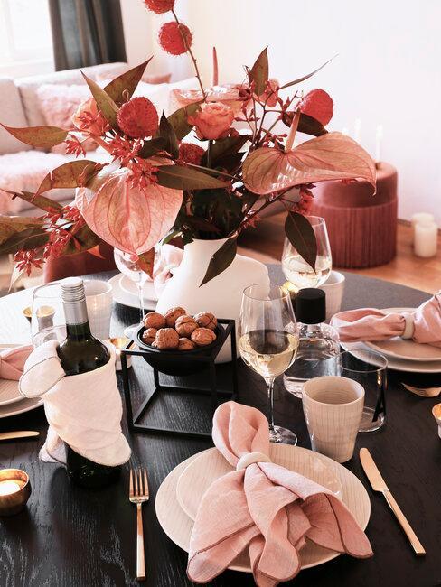 jesenné dekorácie na stôl v ružovom odtieni