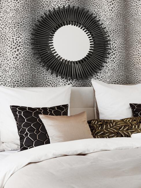 Výrazné doplnky v spálni