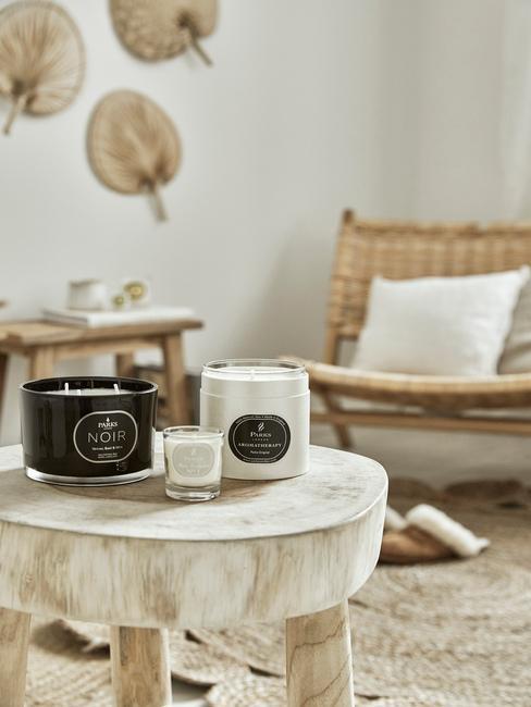 Dekorácie na stôl do obývačky v škandinávskom štýle