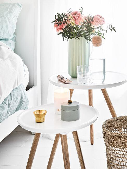 doplnky z imitácie dreva v spálni