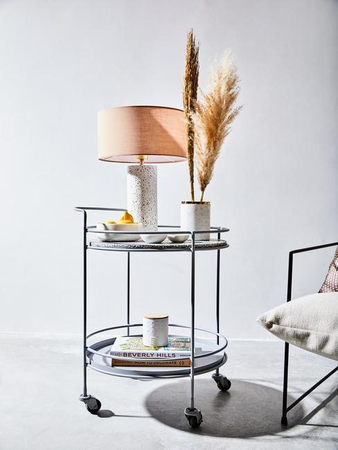 stolná lampa s motívom terazzo