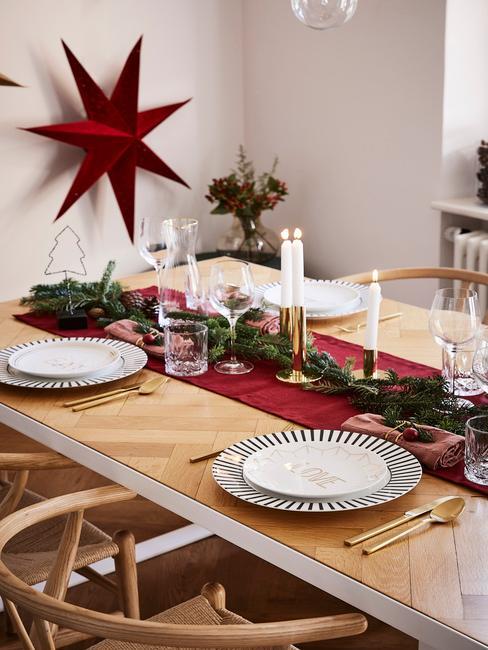 Sviatočný vianočný stôl