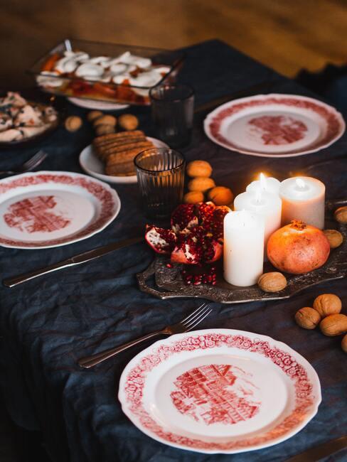 Vianočné dekorácie na stôl: sviečky