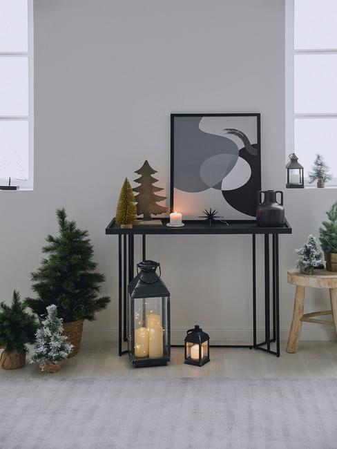 Konzolový stolík s dekoráciami