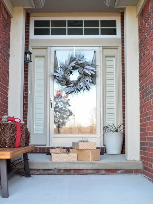 Dekorácie na dvere a pred dvere