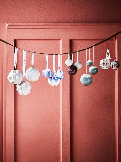Vianočné dekorácie pred dvere: girlandy