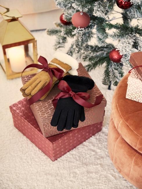 vianočný stromček v bielo-ružovej farbe