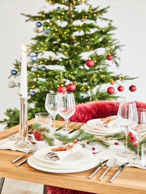 moderné vianočné ozdoby na stromček